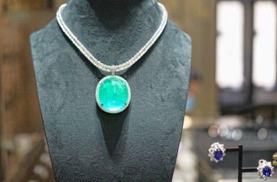 diamond necklace hong kong